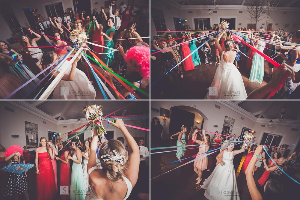 ramo novia con cintas de colores